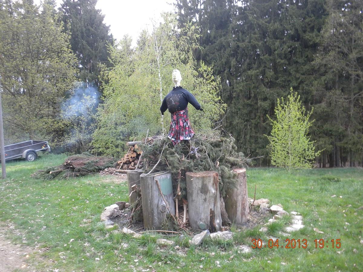 33_čarodějnice_2013